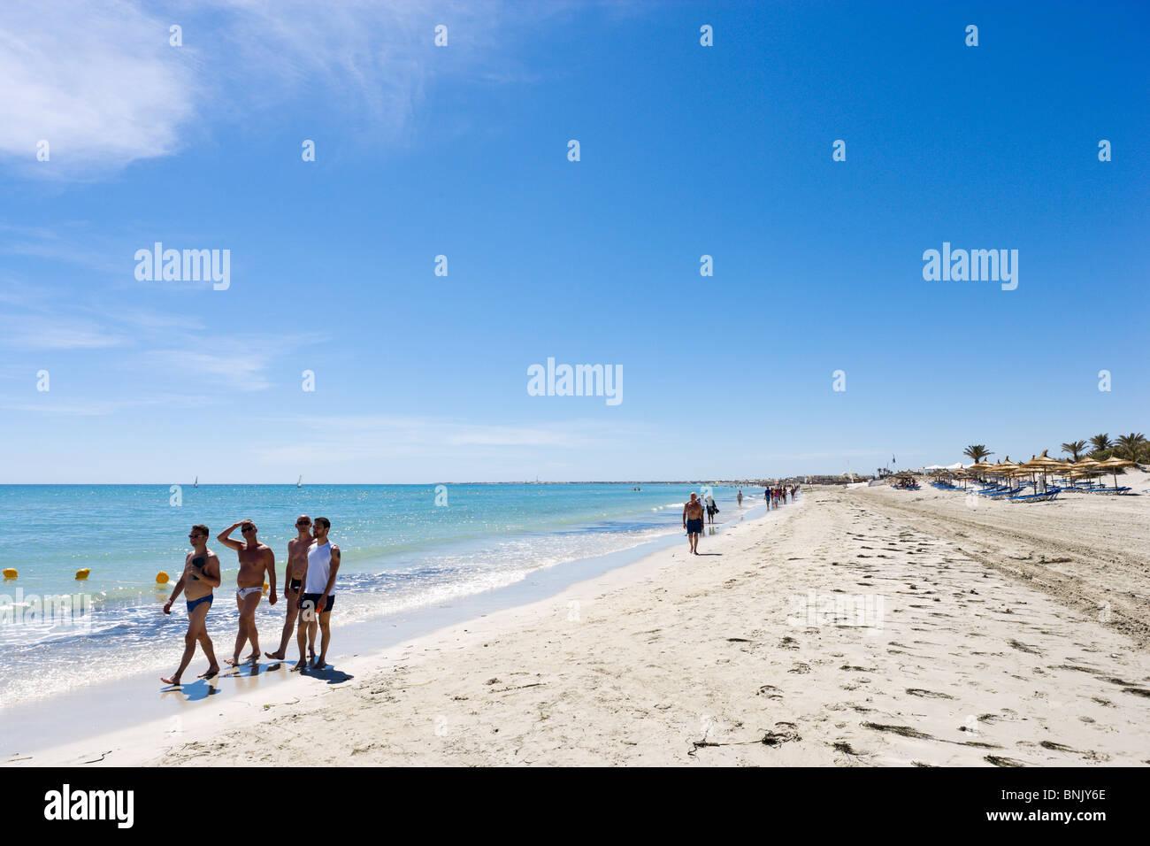 Spiaggia nella zona degli hotel vicino al Hotel Club Caribbean World, Aghir Djerba, Tunisia Immagini Stock