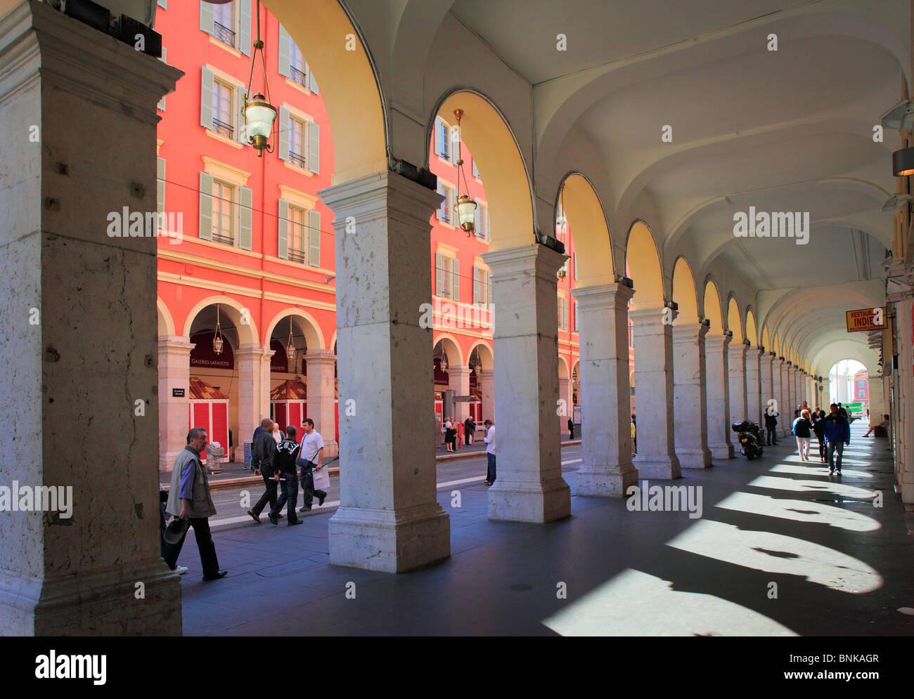 Scena di strada nel centro di Nizza sulla Costa Azzurra (Cote d'Azur) Immagini Stock