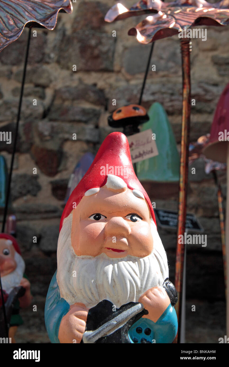 Garden Gnome And Uk Immagini Garden Gnome And Uk Fotos Stock Alamy