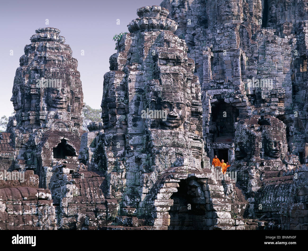 Cambogia in Estremo Oriente Asia Siem Reap tempio Bayon religione sito culturale cultura figure in pietra figure Immagini Stock