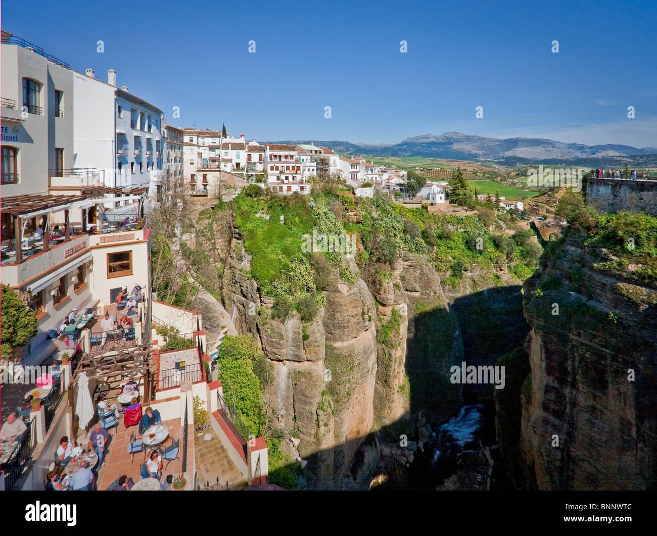Andalusia spagna Malaga Ronda Medioevo scogliera di protezione di connessione in viaggio turismo vacanza vacanze Immagini Stock