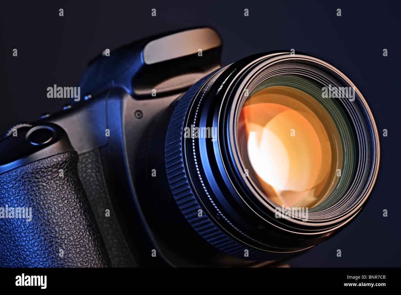 Fotocamera digitale con una lente Immagini Stock