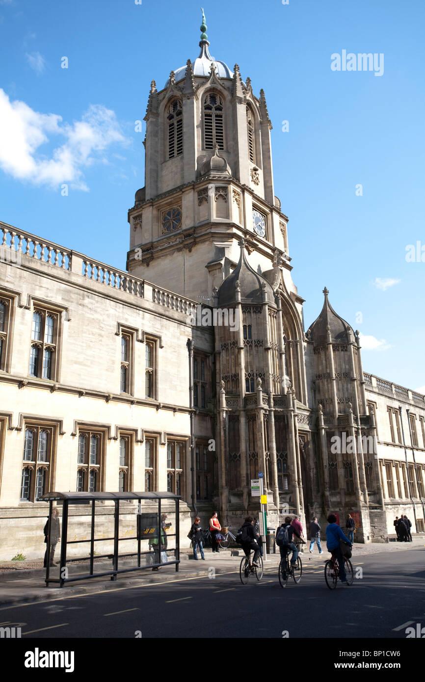 Immagine mostra Tom Tower su St Aldates, all'ingresso di Tom Quad, la Chiesa di Cristo, Oxford. Foto:Jeff Gilbert Foto Stock
