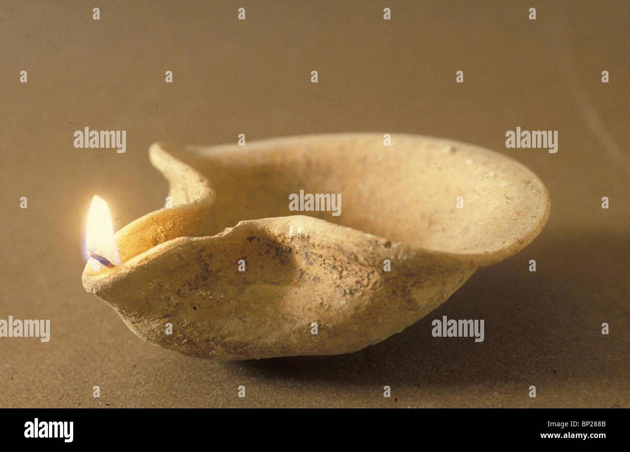 1940. Periodo israelita (età del ferro) OLIO-LAMP Immagini Stock