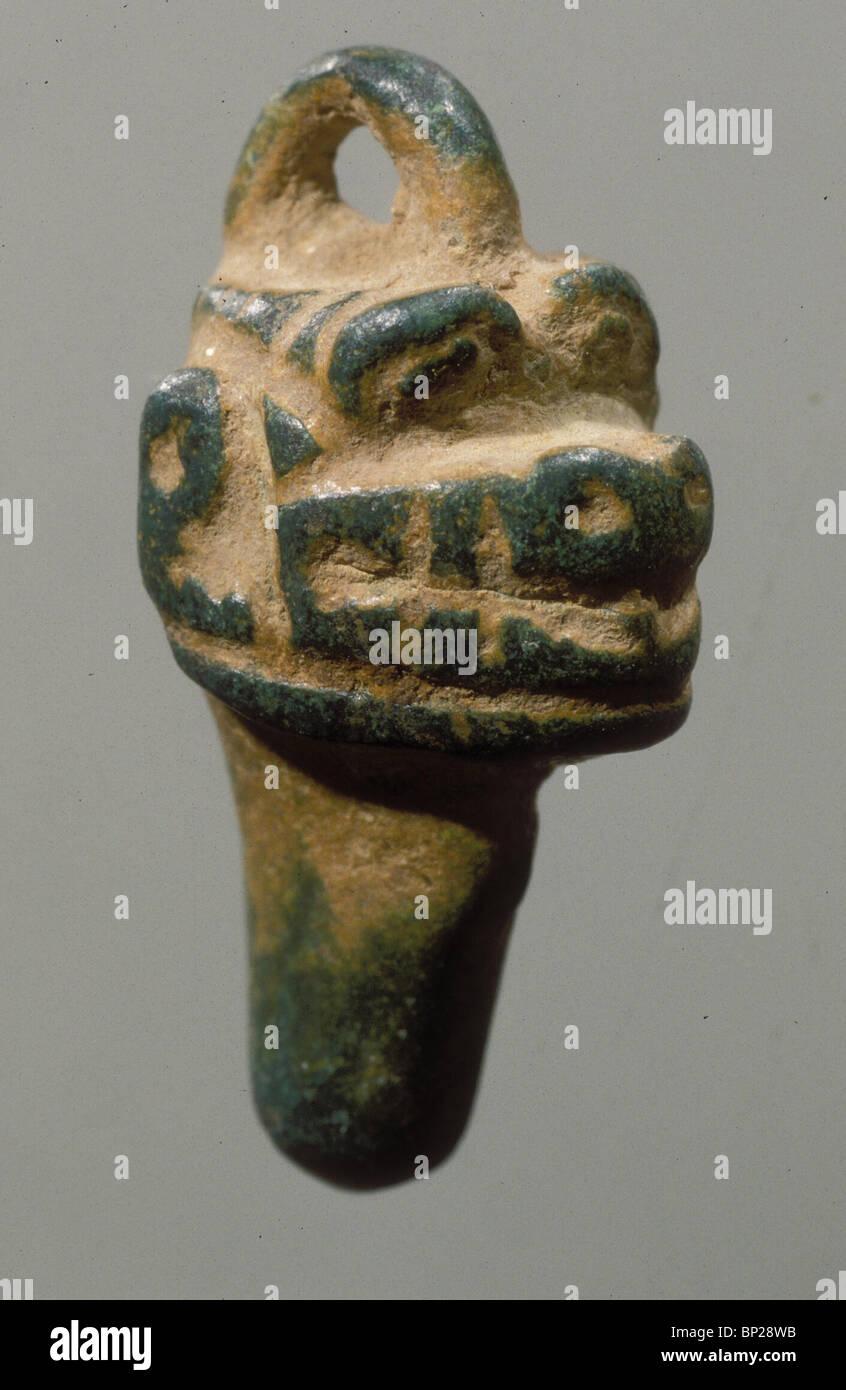 2370. PAZUZU - demone mesopotamiche che ha assicurato al sicuro il parto, pendente in bronzo risalente 7TH. C. a. Foto Stock