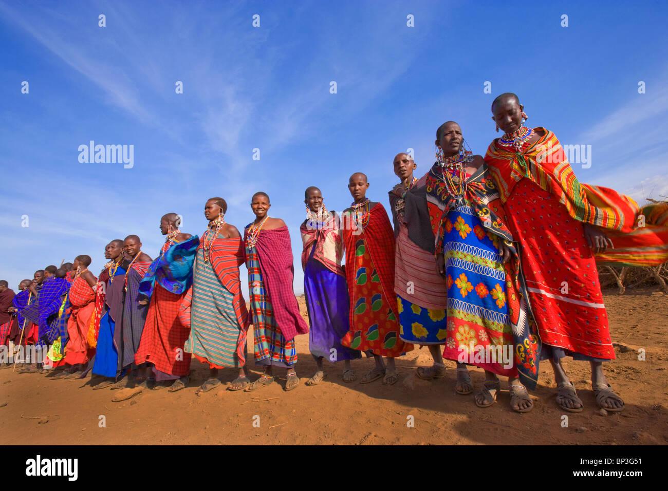 Gli abitanti di un villaggio Masai, il Masai Mara National Park, Kenya Immagini Stock
