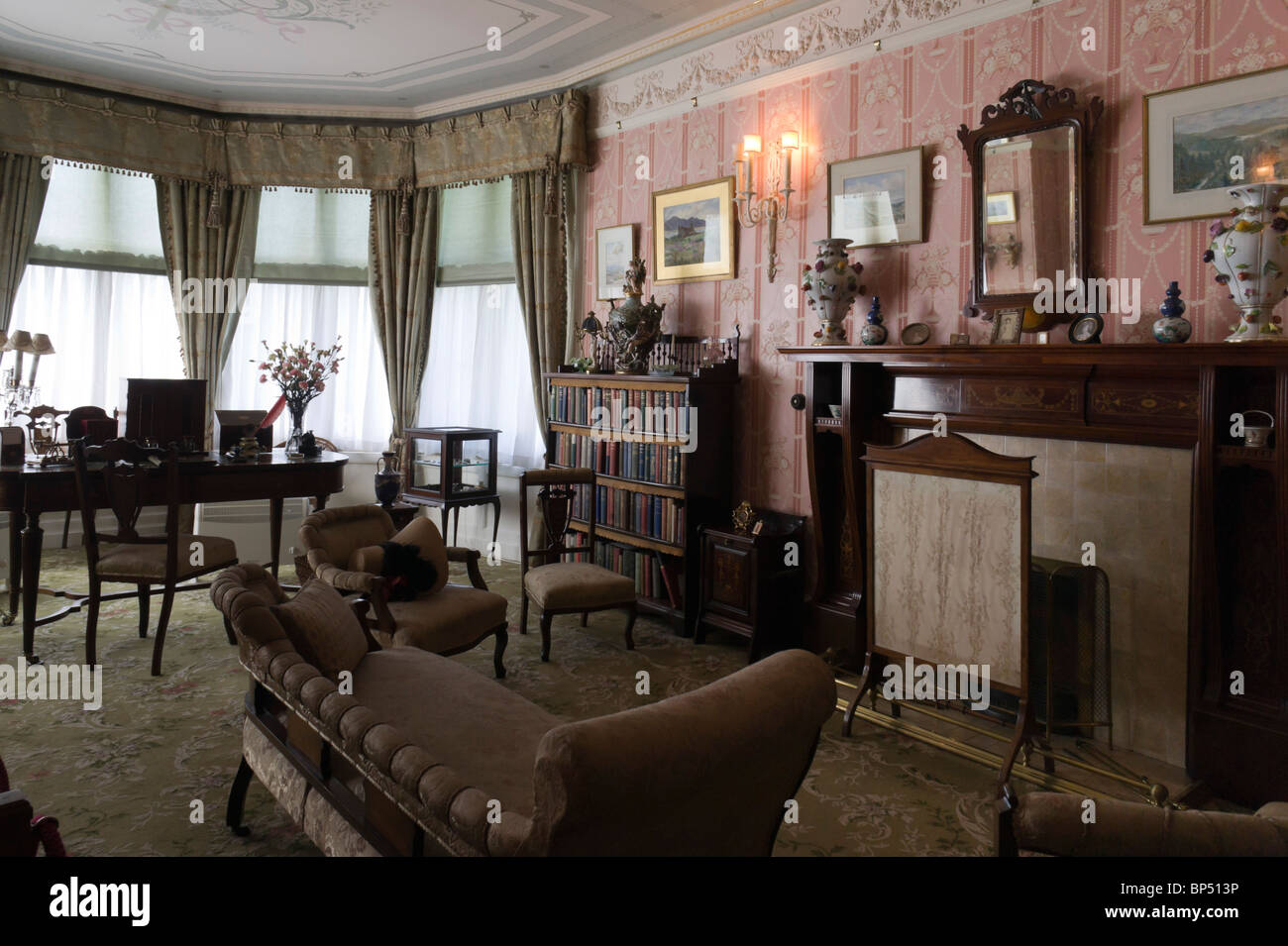 Cragside storica casa northumberland uk interni camera rosa