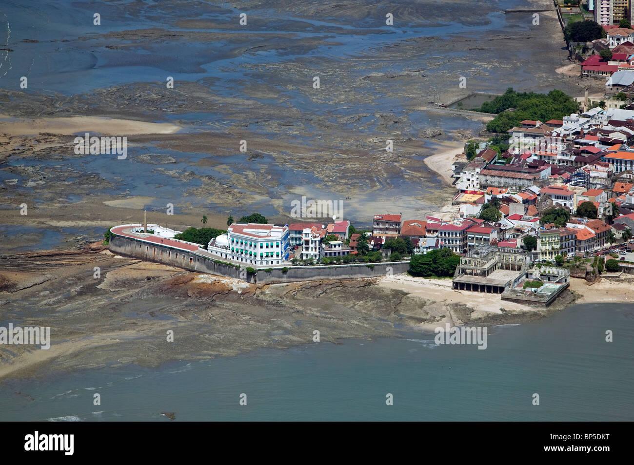 Vista aerea sopra centro storico Casco Viejo la città vecchia di Panama Repubblica di Panama Immagini Stock