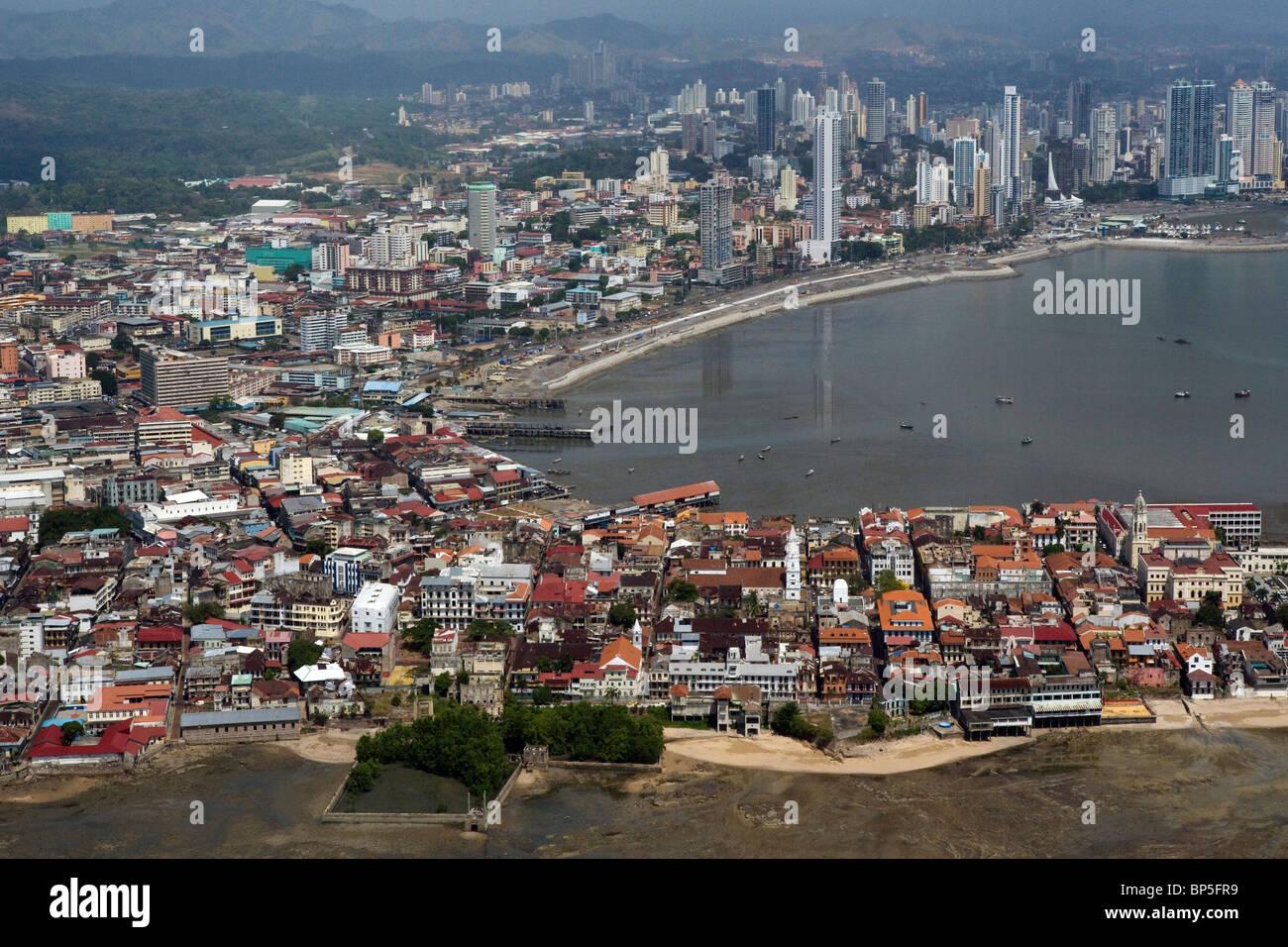 Vista aerea sopra Casco Viejo e il quartiere storico della città di Panama Immagini Stock