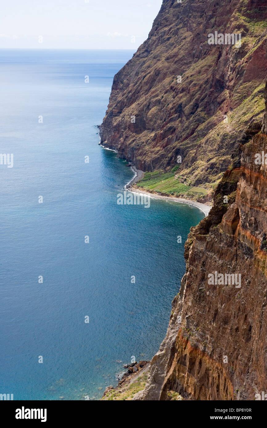 La costa vicino a Estreito de Camara de Lobos, Madeira, Portogallo Foto Stock