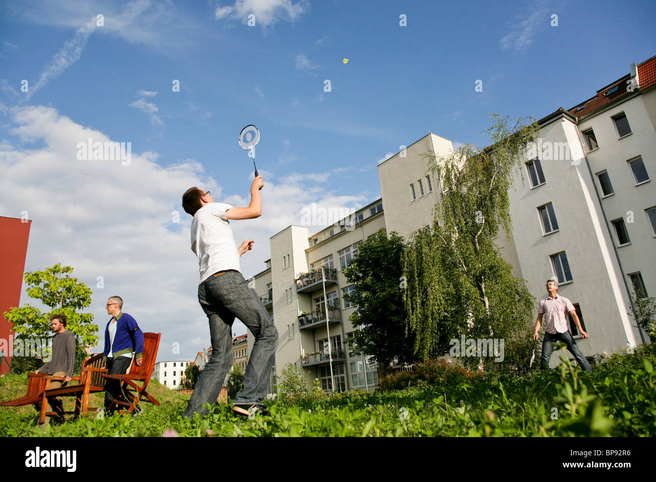 Due uomini giocare a badminton, a Lipsia, in Sassonia, Germania Immagini Stock