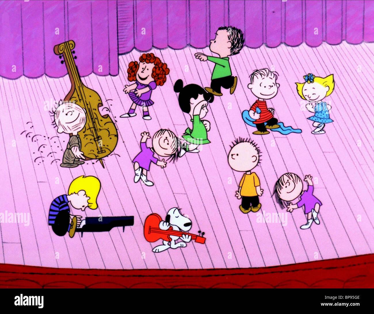 Immagini Natale Linus.Schroeder Linus Snoopy Lucia Un Charlie Brown Natale 1965 Foto