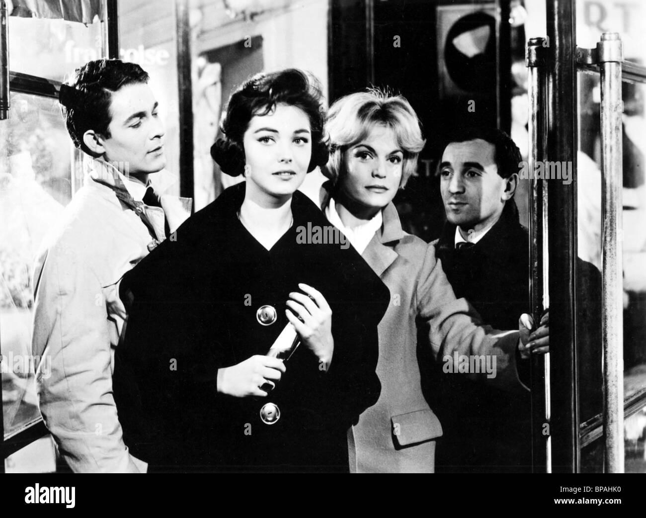 JACQUES CHARRIER, DANY CARREL, ESTELLA BLAIN, Charles Aznavour, i giovani non hanno morale, 1959 Immagini Stock