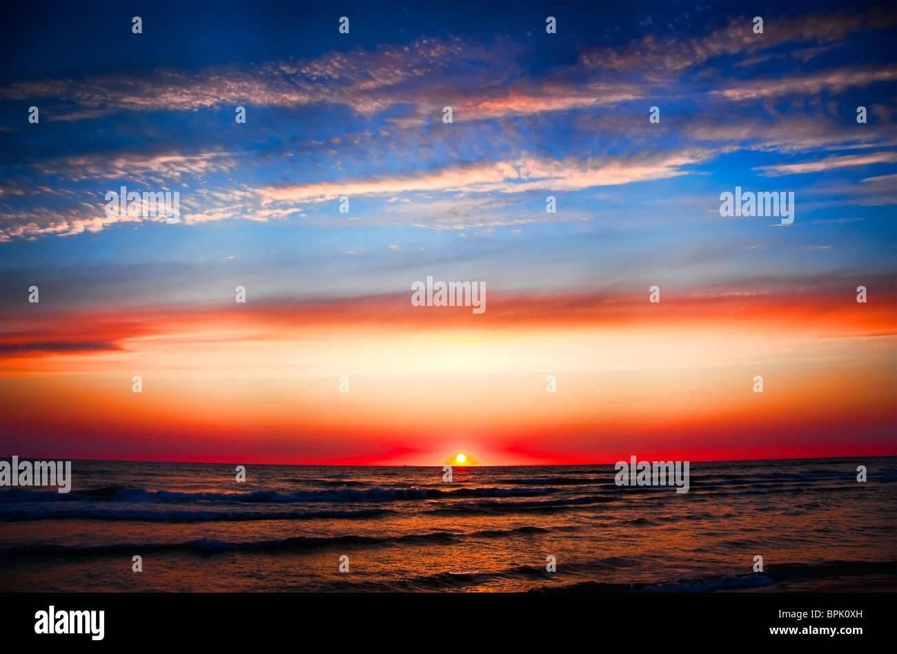 tramonto al mare Foto Stock