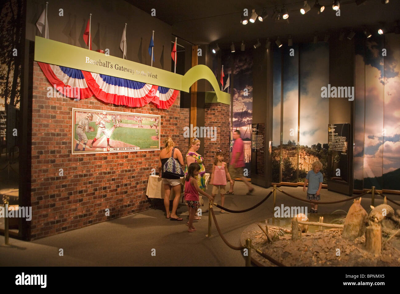 Museo di baseball a San Louis Gateway Arch Immagini Stock