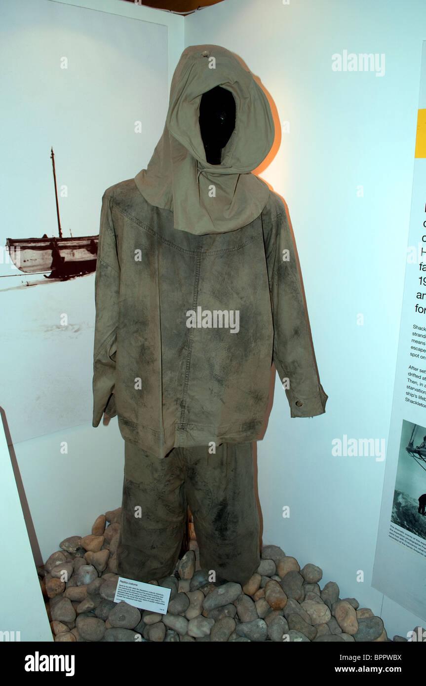 Una replica esatta dell'abbigliamento protettivo indossato dall'equipaggio della famosa nave di esplorazione Immagini Stock