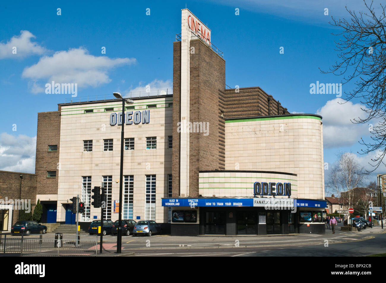 Dh HARROGATE North Yorkshire cinema Odeon artdeco film theatre edificio art deco England Regno Unito Immagini Stock