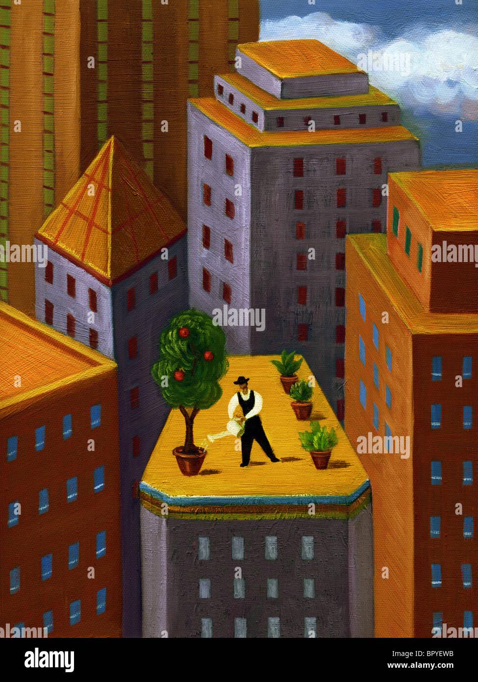 Un uomo di irrigazione di un giardino sulla sommità di un alto edificio in città Immagini Stock
