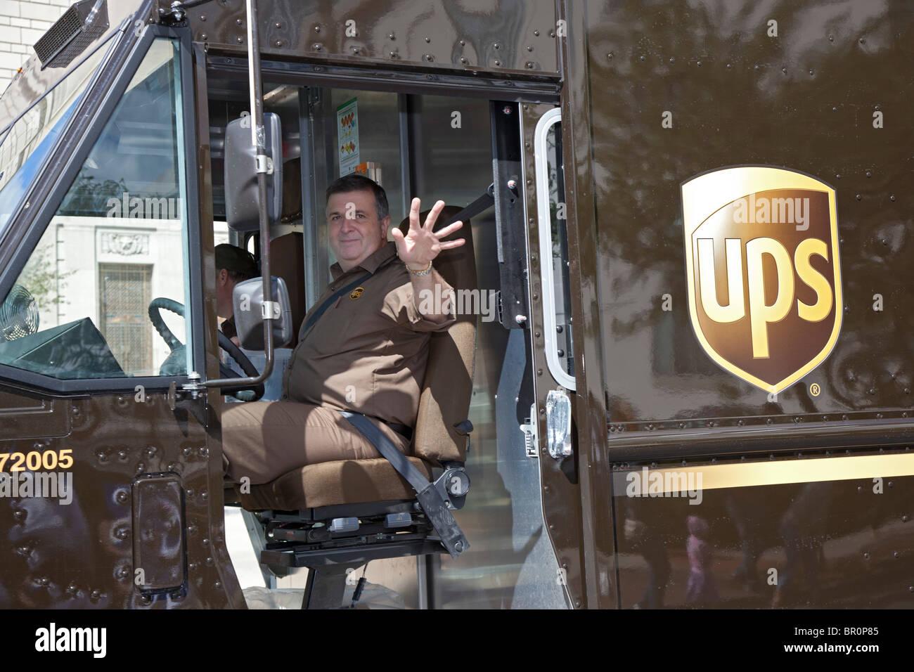 Indianapolis, Indiana - Un United Parcel Service Delivery carrello nella parata del giorno del lavoro. Immagini Stock