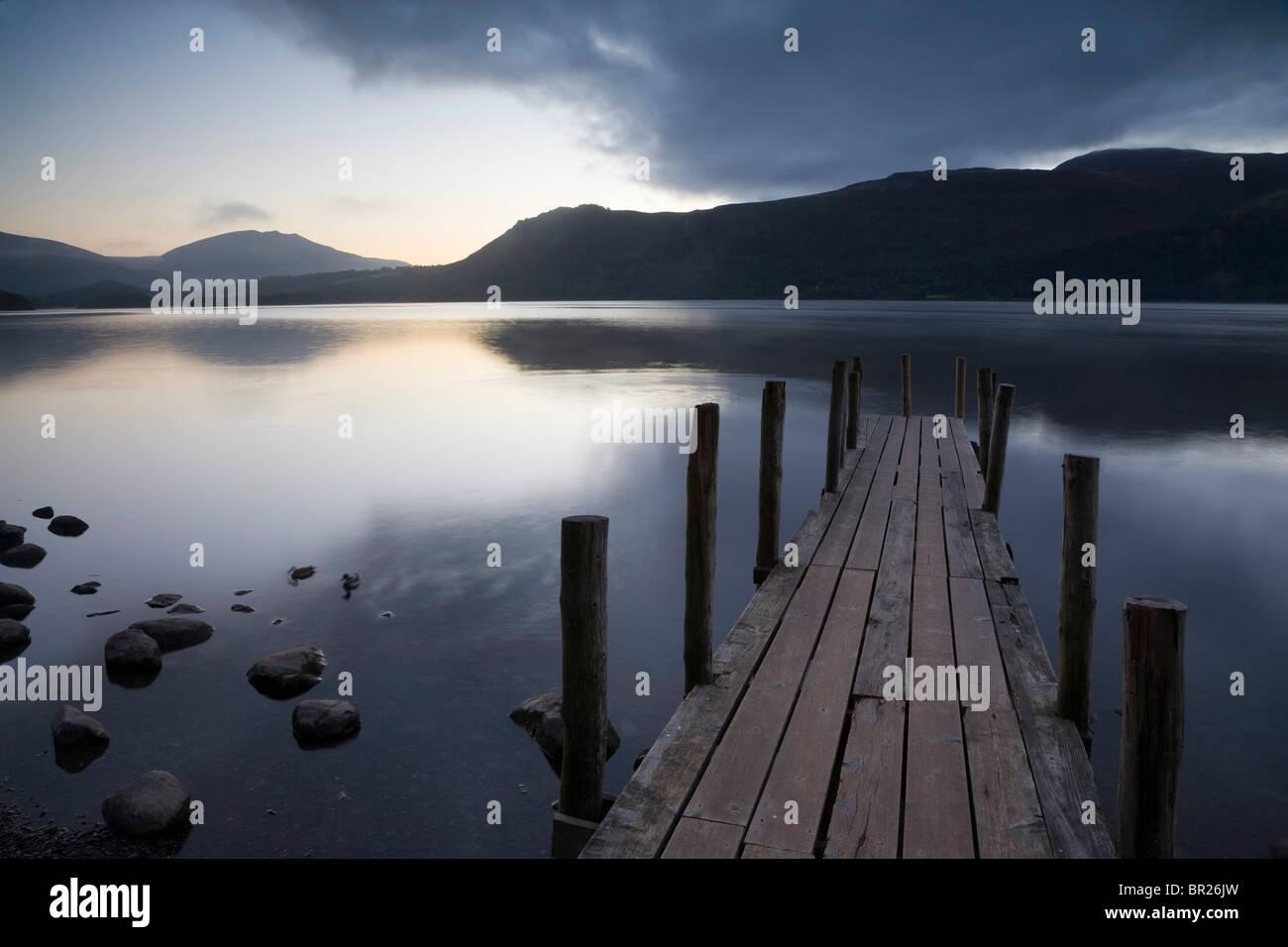 Il molo o pontile, Derwent Water Lake District, REGNO UNITO Immagini Stock