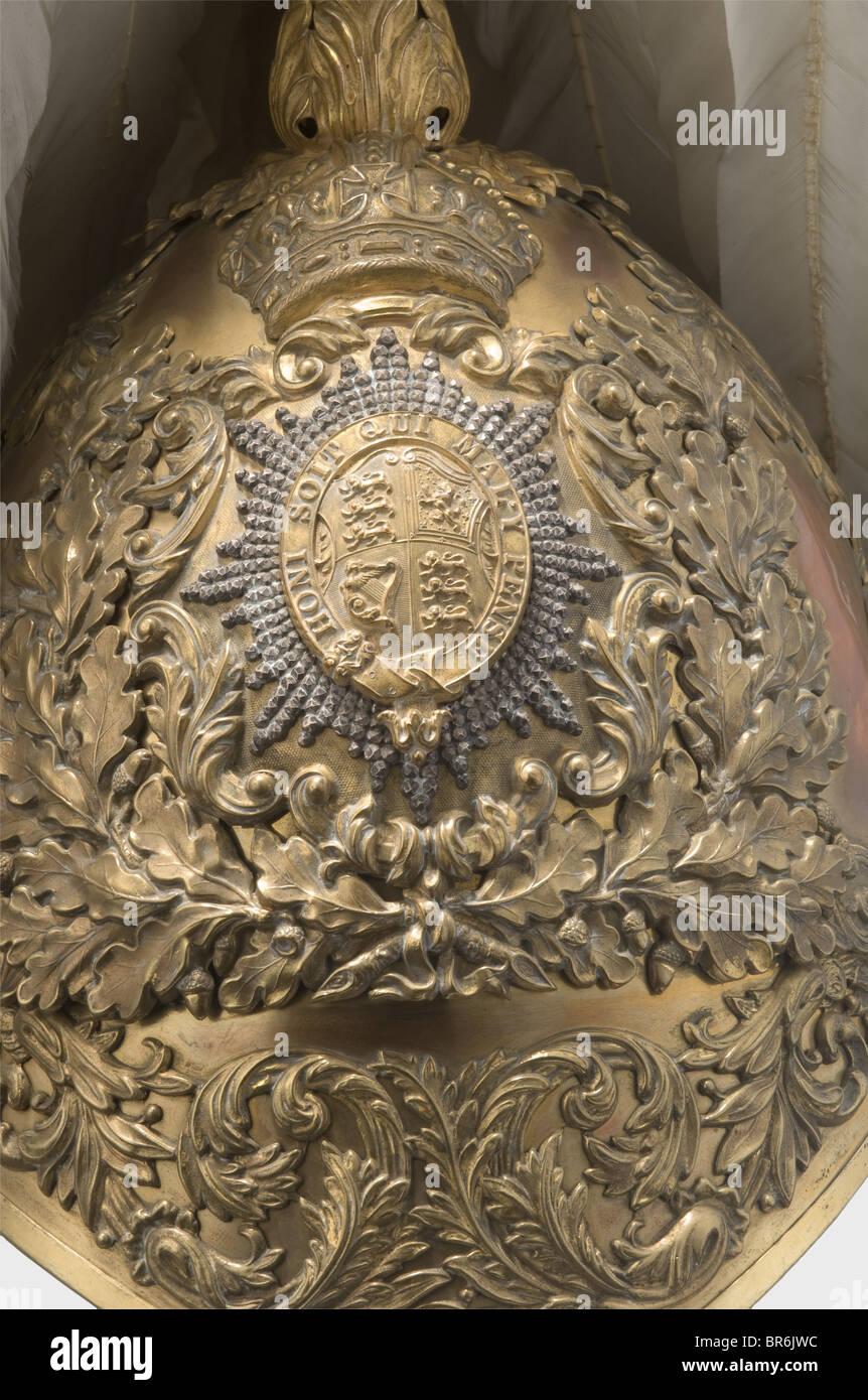 Un bel casco per ufficiali della onorevole Corps dei colleghi a bracci. dorato tombac cranio montato con sovrapposto, Immagini Stock