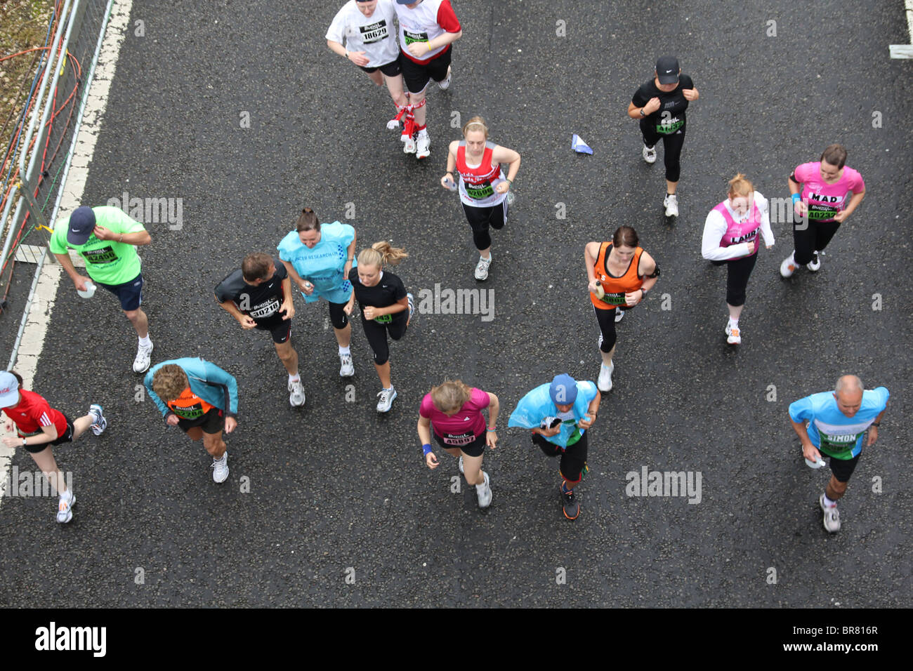 30 GREAT NORTH RUN 2010 start line mondi più grande eseguire/ mezza maratona Newcastle a South Shields 54.000 Immagini Stock