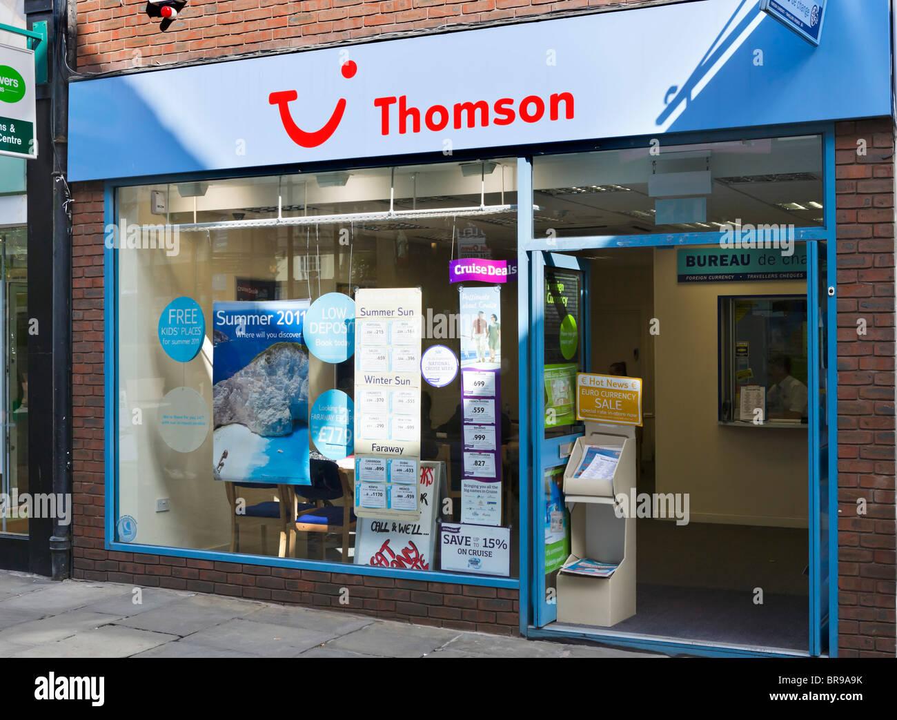 Thomson high street agenzia di viaggi di Chester Town Center, Cheshire, Inghilterra, Regno Unito Immagini Stock