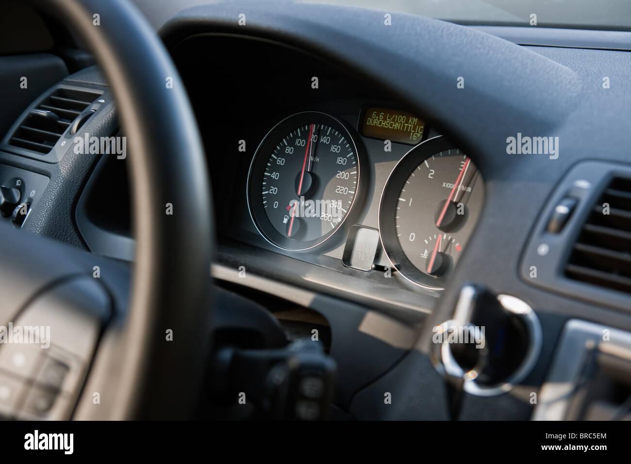 Close up di un tachimetro di automobili Immagini Stock