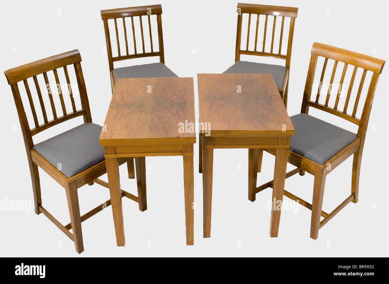 Nuova cancelleria del reich mobili quattro sedie e due for Nuova mobili