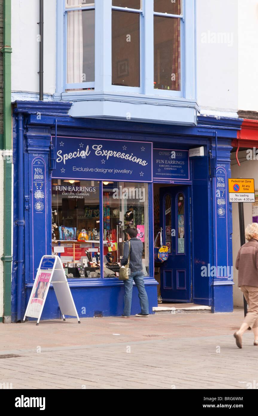 Le espressioni di speciale progettazione esclusiva gioielleria store a Keswick, Cumbria , in Inghilterra , Gran Immagini Stock