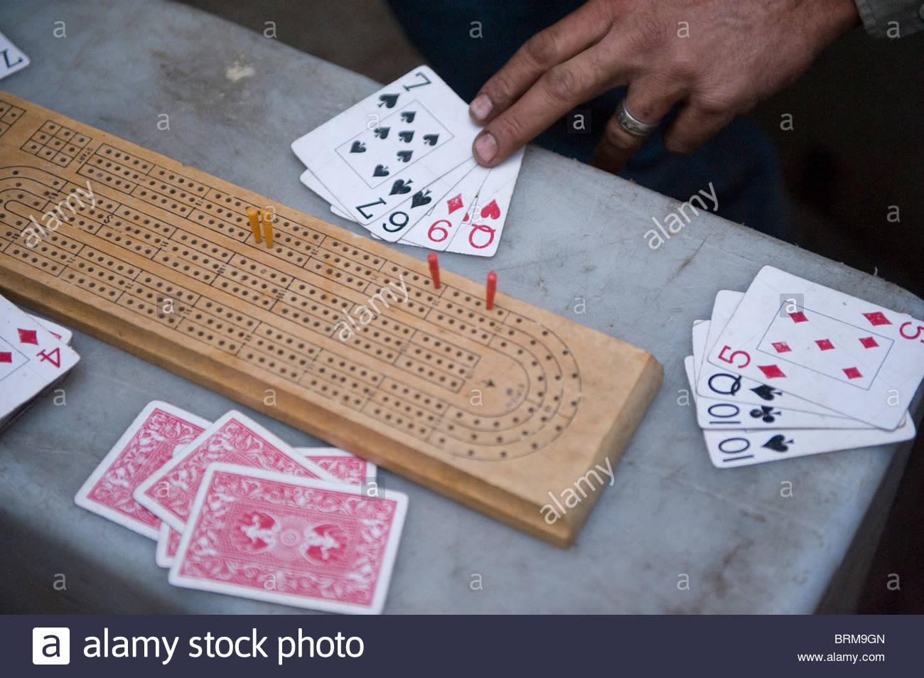 Un gioco di carte che viene giocato in Kings Canyon National Park, CA. Immagini Stock