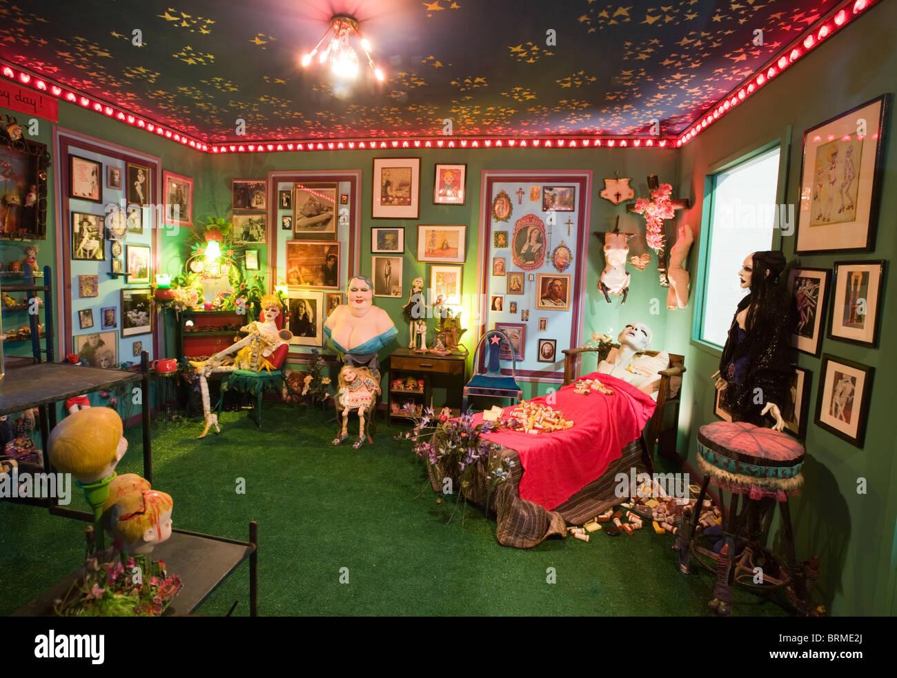 Arte di installazione da Greer Lankton a Mattress Factory Art Museum di Pittsburgh, Pennsylvania Immagini Stock