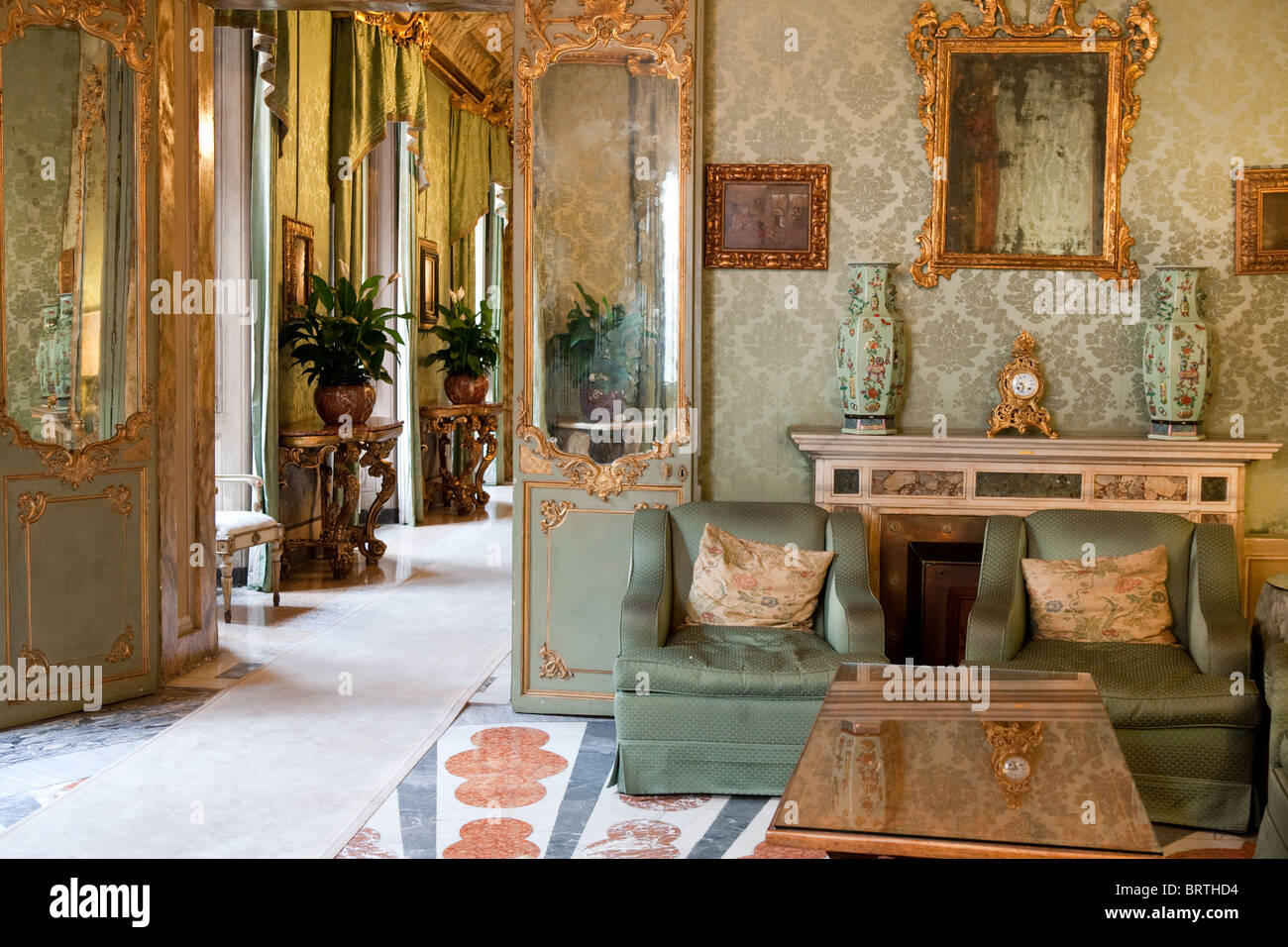 Palazzo rondinini palace interior italian decorare for Arredamento design roma