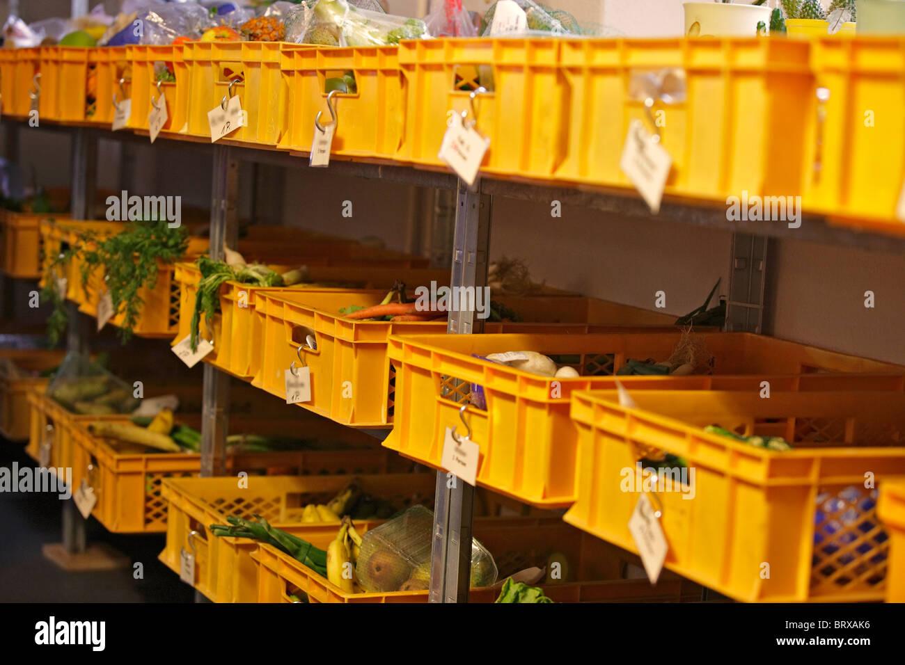 Il lavoro sociale, Schwartauer Tafel, donazioni di cibo Immagini Stock