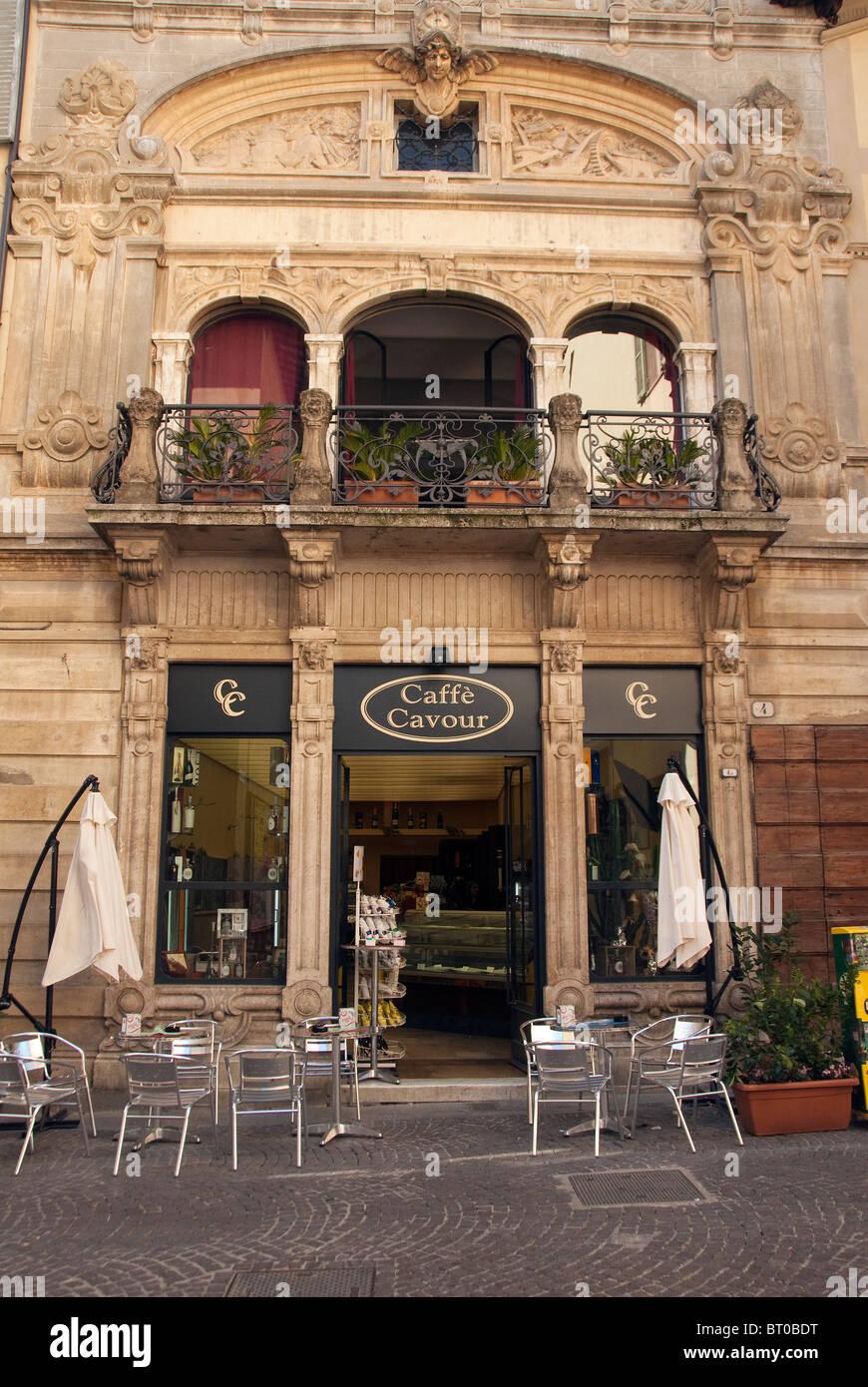 In stile Liberty su un edificio nella Città di Castello, le principali città del nord Umbria, Italia Immagini Stock