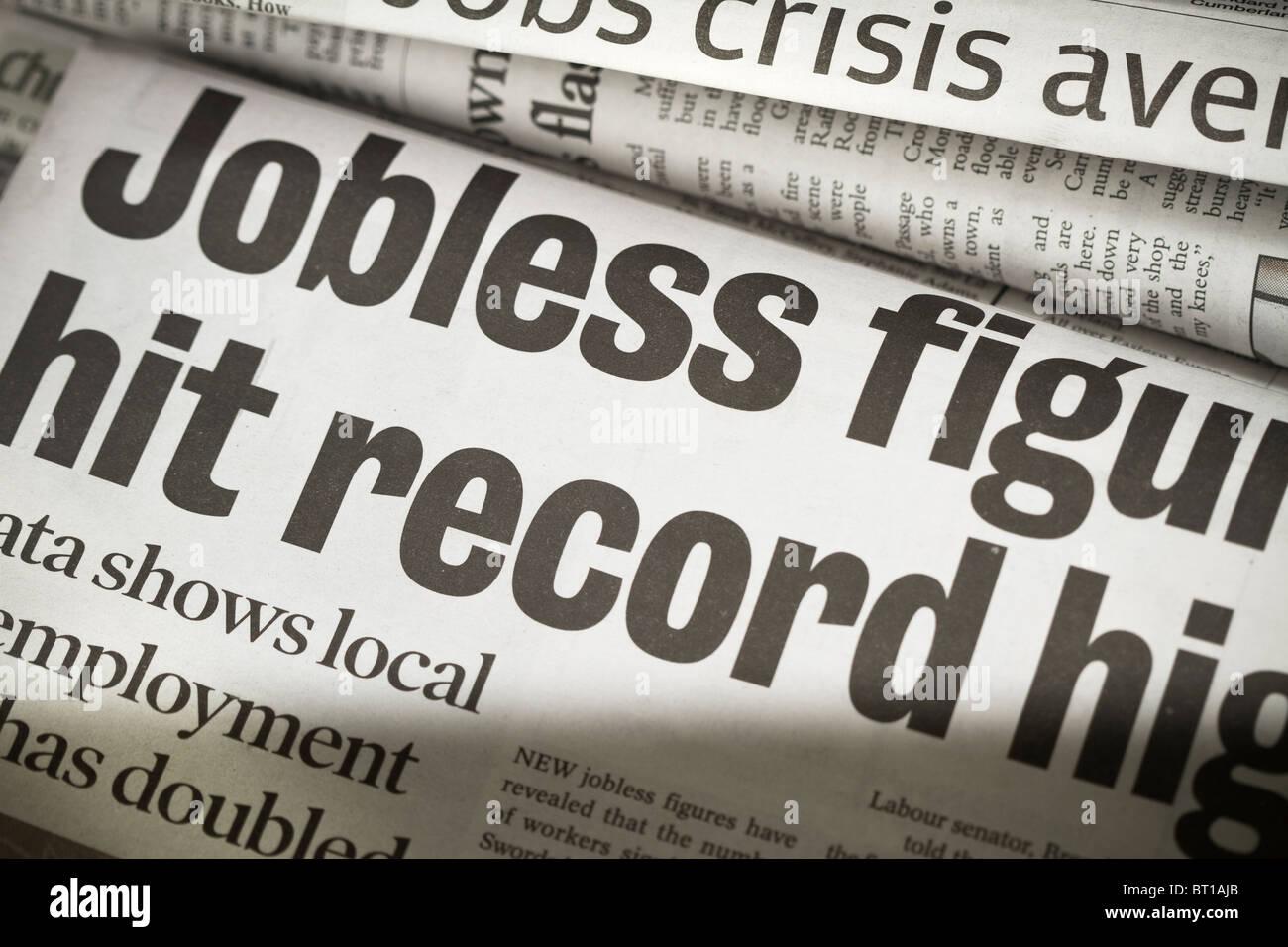 Titolo di giornale circa situazioni di crisi occupazionale Immagini Stock
