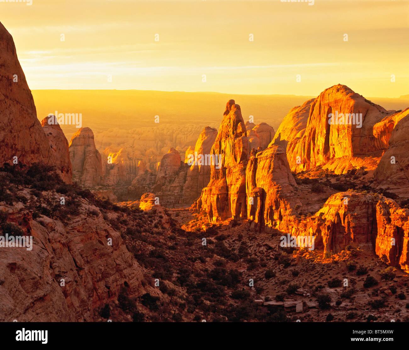 Tramonto in dietro le rocce, Wilderness Area Studio, Utah Immagini Stock