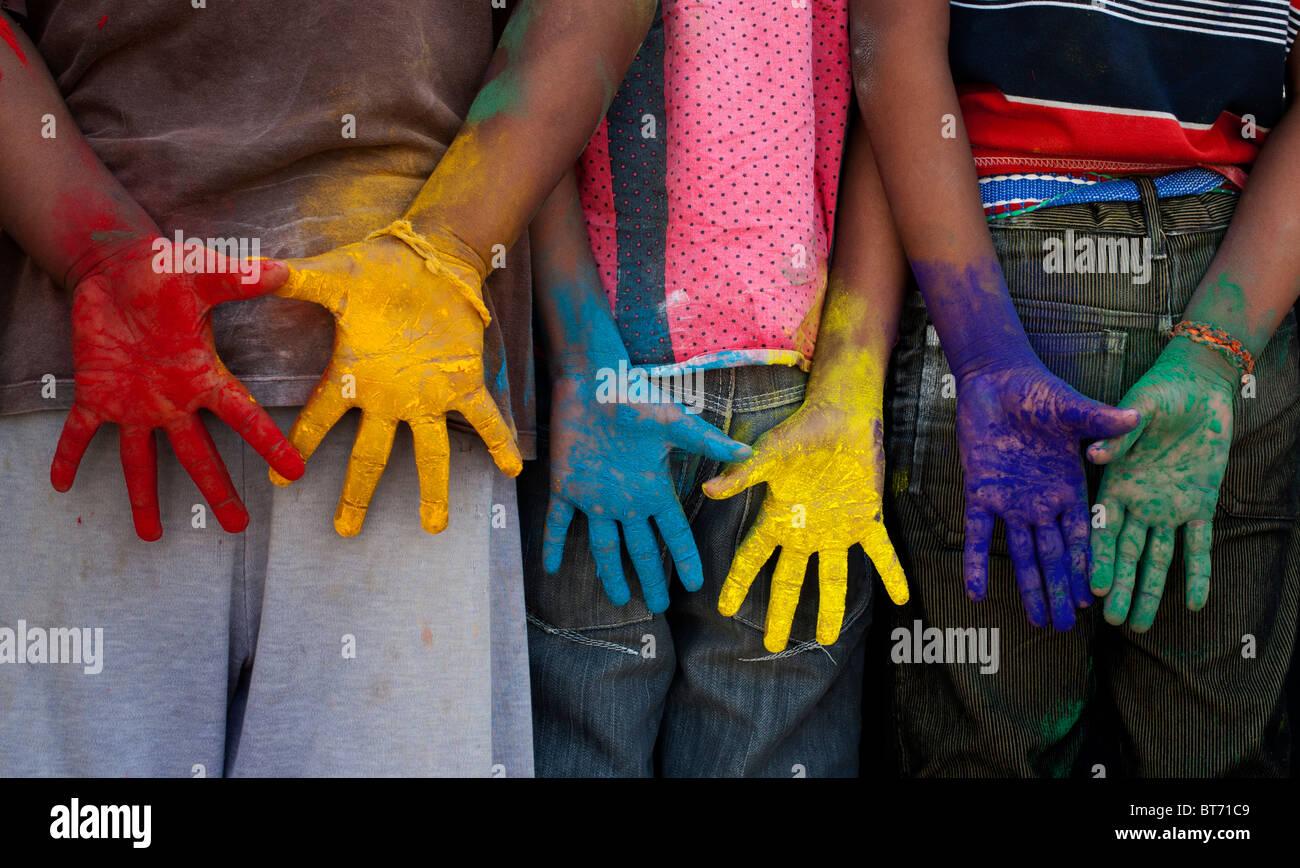Indian boys mani multicolori Immagini Stock