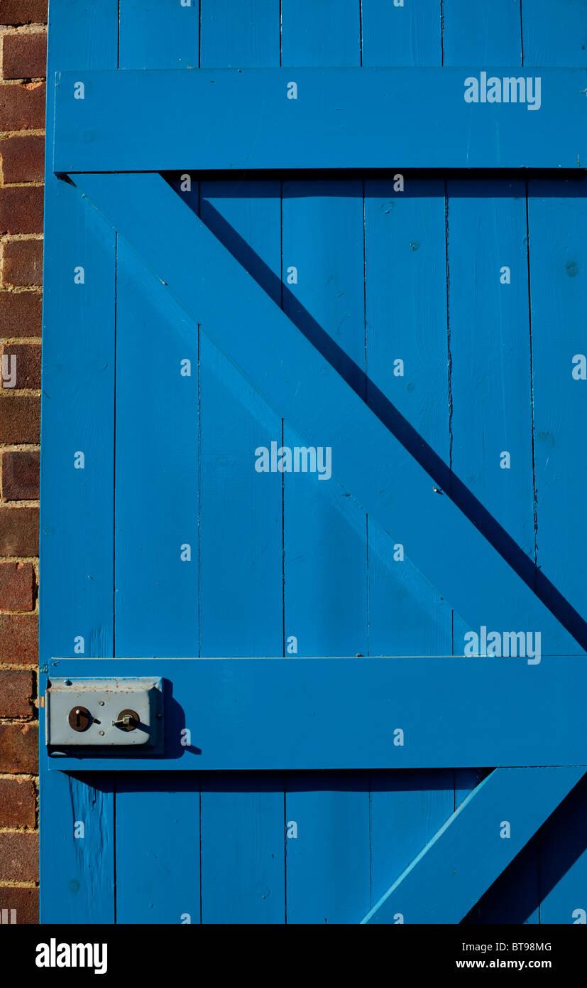 Porta blu e bloccare Immagini Stock