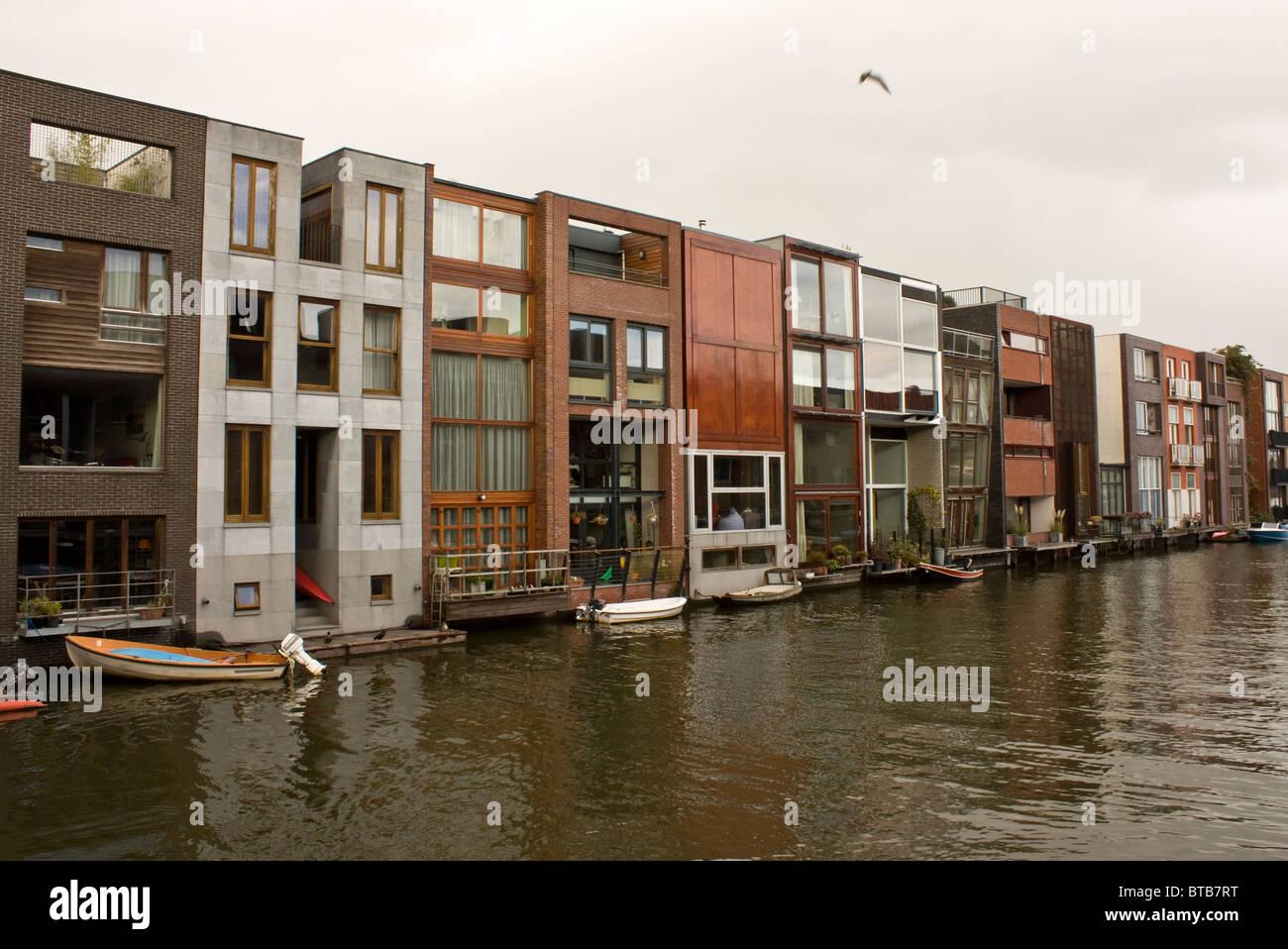 Architettura unica in scheepstimmermanstraat amsterdam for Facciate case moderne