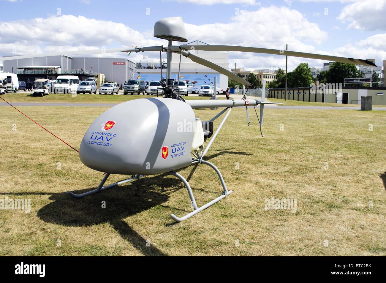Avanzata Tecnologia Drone A-1000 surveilance elicottero in mostra a Farnborough Airshow 2010 Immagini Stock