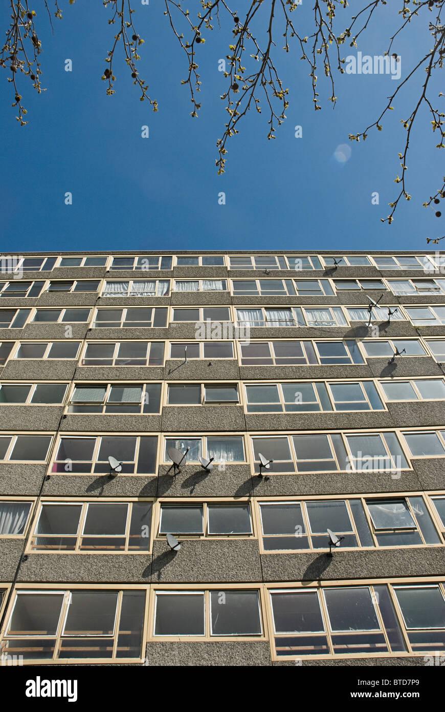 Blocco a torre di Heygate Estate, a sud di Londra Immagini Stock