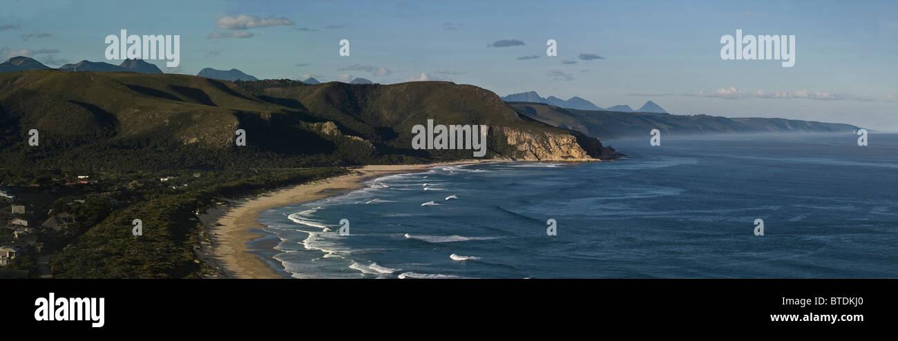 Vista panoramica della Valle di natura e montagne Outeniqua Immagini Stock
