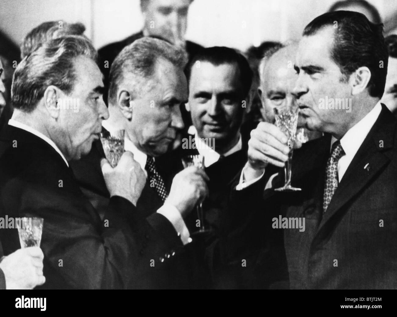 Generale sovietico Leonid Brezhnev, Premier sovietico Alexey Kosygin, U.S. Il presidente Richard Nixon, di tostatura Immagini Stock