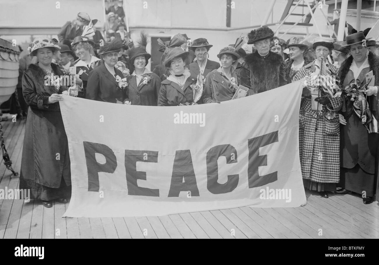 Jane Addams (1860-1935), umanitario e attivista sociale a condurre una missione di pace in Europa durante la guerra Immagini Stock