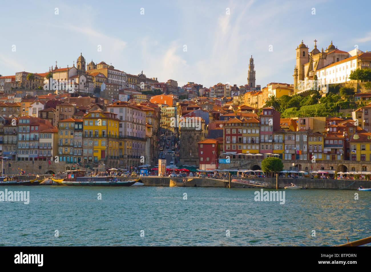 Cais da Ribeira, Porto, Portogallo Immagini Stock