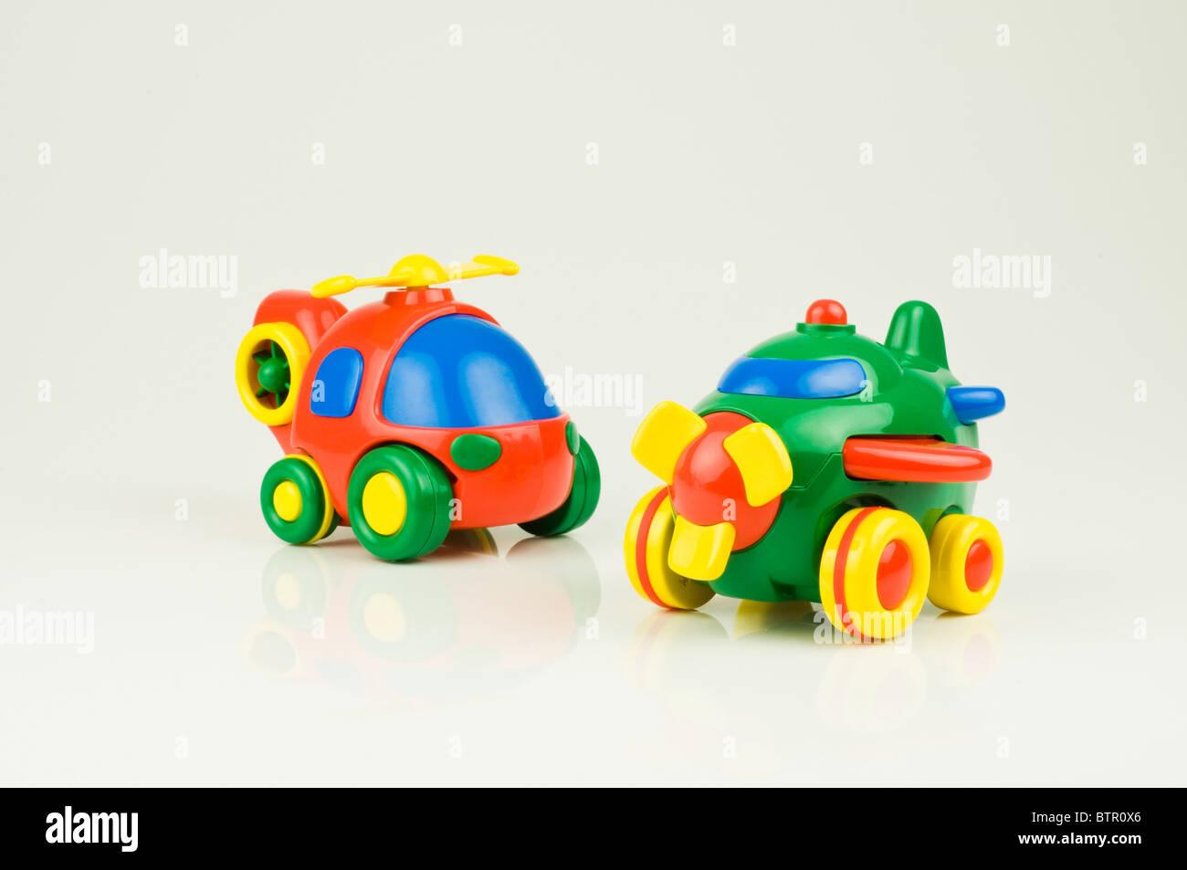 Aeroplano giocattolo e elicottero Foto Stock