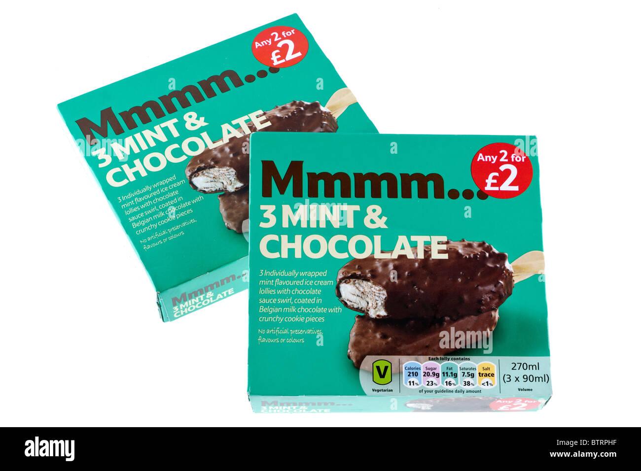 Due scatole di 3 confezionate singolarmente menta ricoperta di cioccolato gelato lollies in offerta a 2 per due Immagini Stock