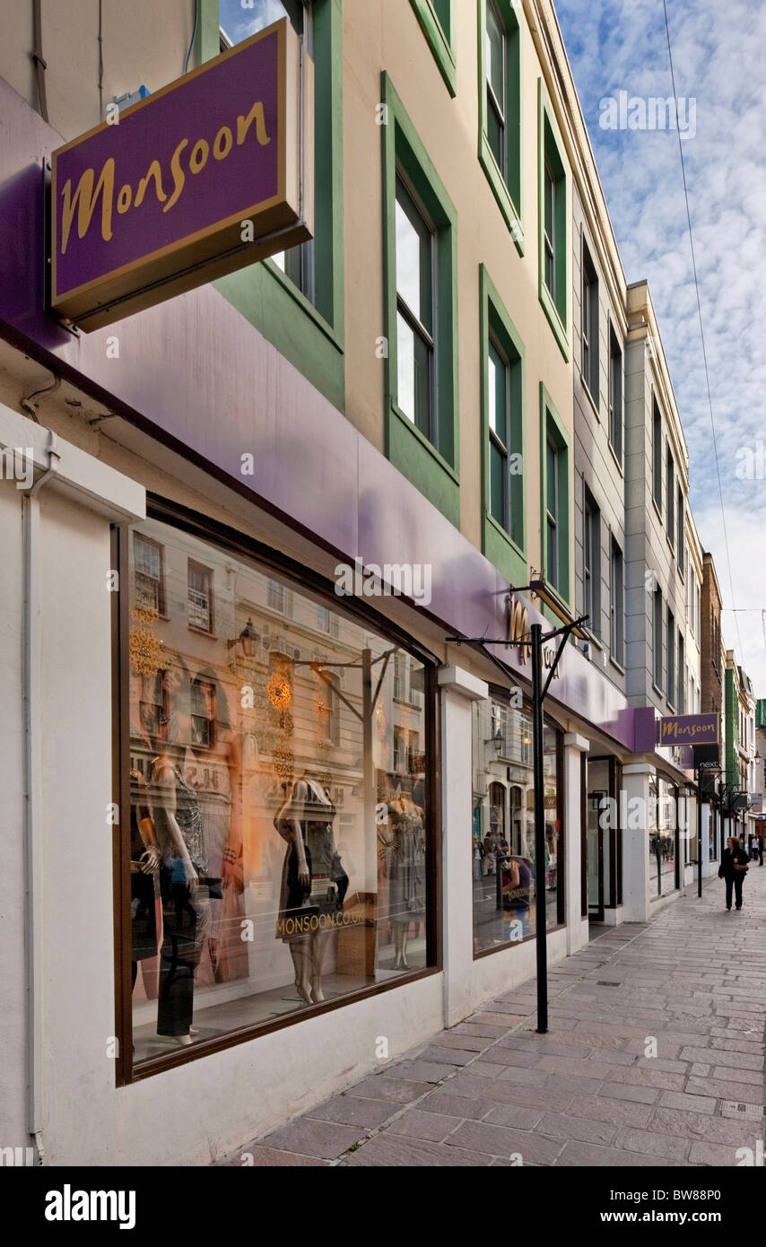 Vendita al dettaglio e sullo sviluppo di Office in Queen Street, St Helier, Jersey. Immagini Stock