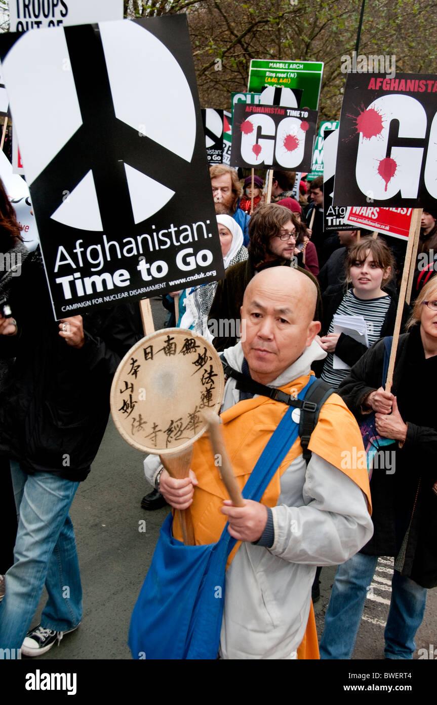 Fermare la guerra in Afghanistan Marzo attraverso il centro di Londra Novembre 20thn 2010 Immagini Stock